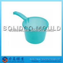 Cocina de plástico redonda cucharón de agua