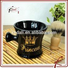 Brosses et tasses à coiffe en céramique