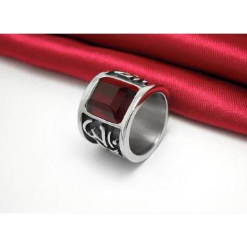 Les anneaux en acier titaniques classiques découpés par zircon rouge foncé de bijoux de mode