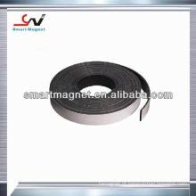 Tira magnética de borracha flexível padrão e customizada