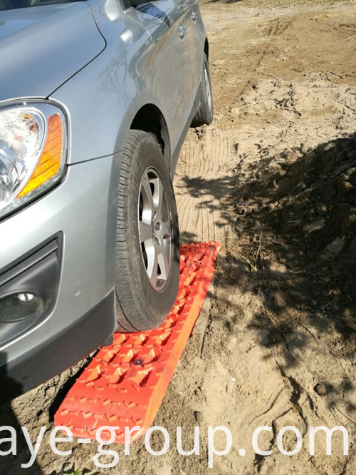 Snow Sand Tire Ladder 4WD Truck 2