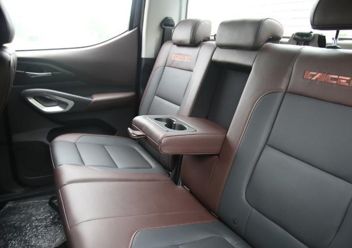 rear seats 2
