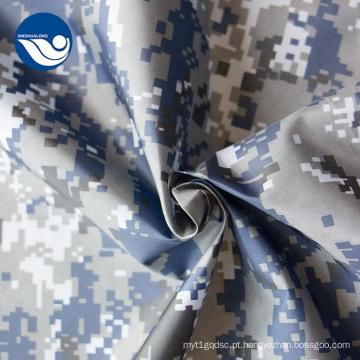 Tecido preto e branco com estampa de camuflagem