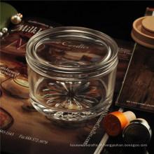 Pot en verre avec couvercle en verre