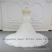 Strapless encantador com vestido de noiva de renda