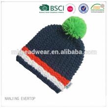 Chapeau d'hiver en tricot à main en crochet fait à la mode pour adultes