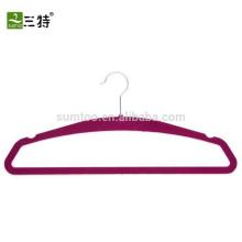 Percha de ropa interior de terciopelo práctica