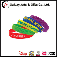 Rubber Material Embossed Silicone Bracelets /Silicone Wristband