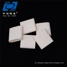 Temperature alumina ceramic with high wear resistance