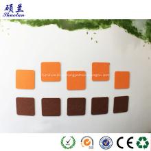 Peça de feltro para decoração de parede com forma multivariada
