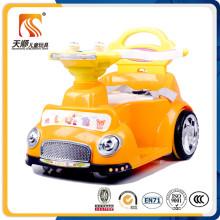 Belle voiture de batterie Corlorful Kids avec fonction basculante