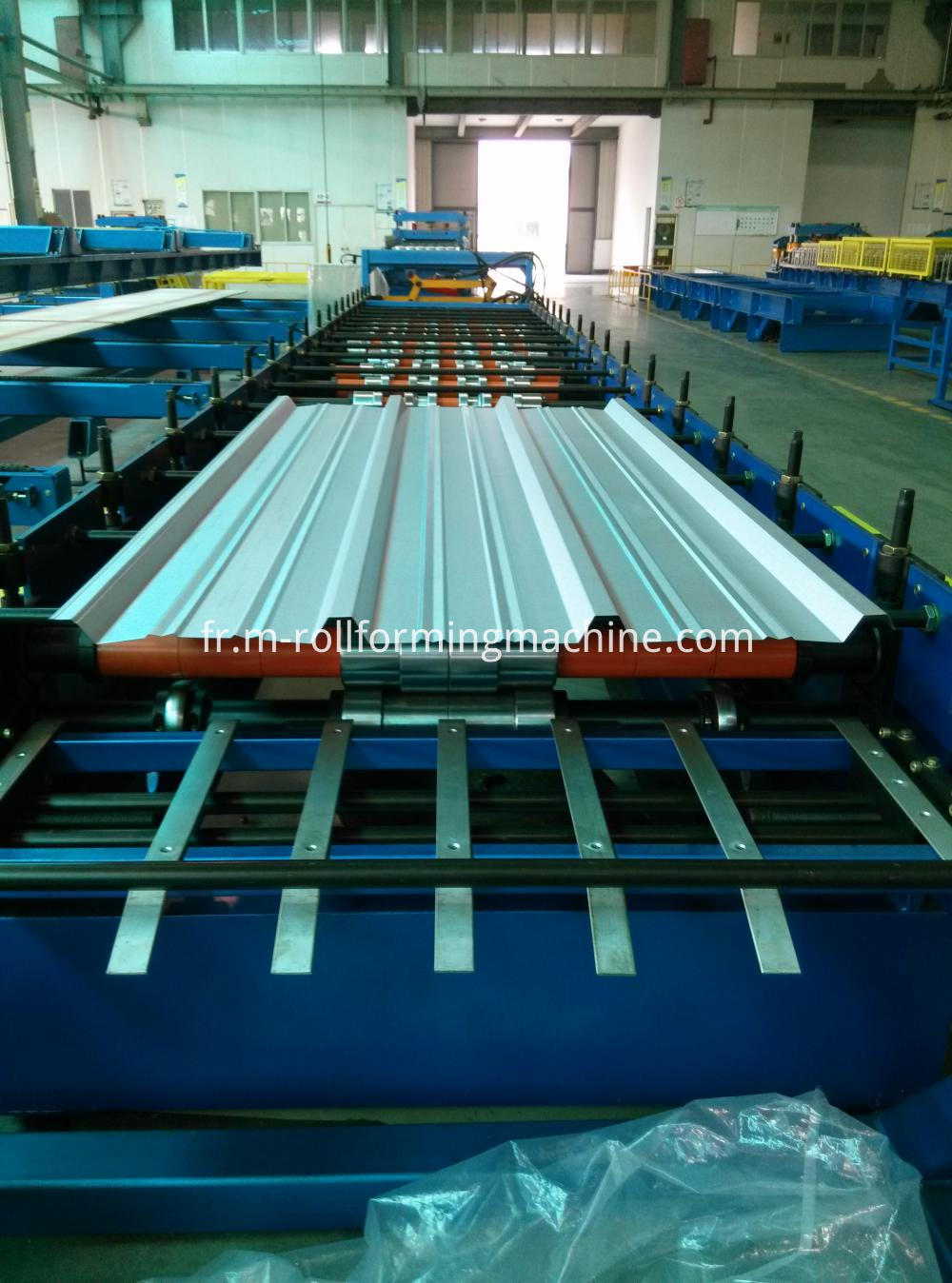 Colour coated zinc roofing sheet molding machine-1