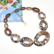 2021 Trendy curved acrylic hoop choker neck jewelry luxury link chain colorful acetate necklace