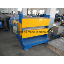 Machine de gaufrage en métal coloré de haute qualité et vitesse pour tôle d'acier inoxydable