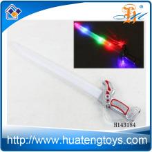 Atacado Light up plástico espada Toy Flashing Stick com música e bola para crianças H143184