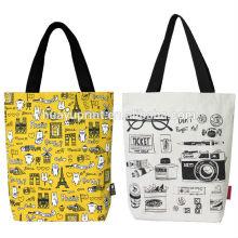 Einkaufstasche und Teppich / Plastiktasche Einkaufen