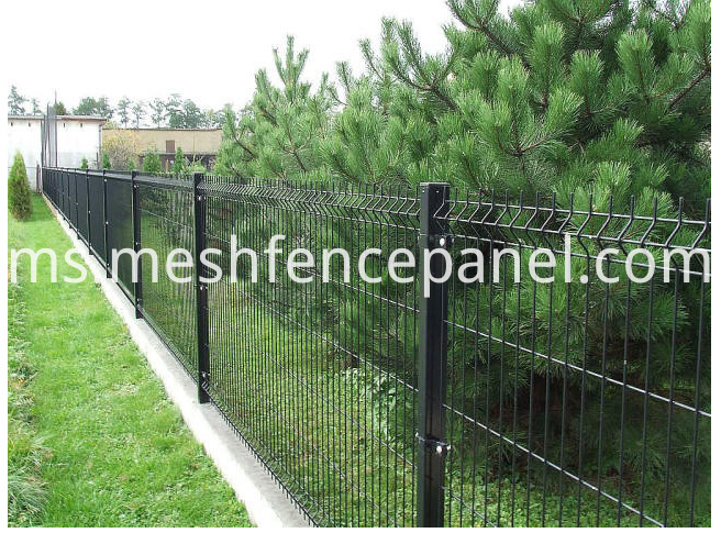 Welded V shape fence