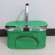 Cesta de compras, equipamento de supermercado cesta de compras / refrigerador cesta de piquenique / cesta de compras dobrada isolada