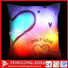 China venta al por mayor luz brillante colorido brillante llevó almohada