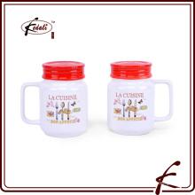 Weißes keramisches Salz- und Pfefferstreuer-Set mit Griff