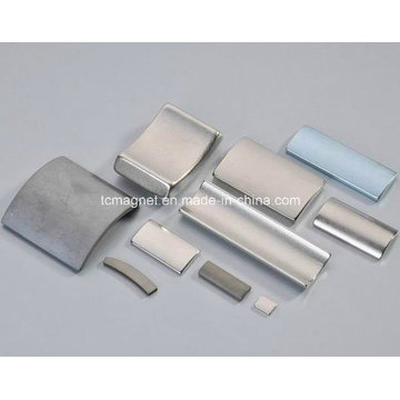 Verschiedene Arc NdFeB Magnete mit unterschiedlicher Beschichtung