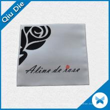 Flower Logo Etiqueta tejida plegable para la ropa