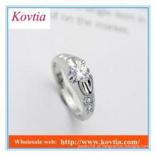 Anéis de noivado com diamante