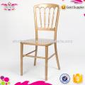 Cadeira de castelo de madeira estilo antigo