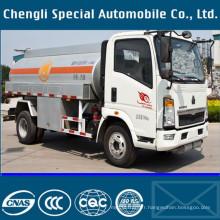 8000liters utilitaires légers HOWO 6wheels huile 4 X 2 camion de réservoir de carburant