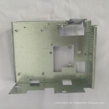 Fabricación de piezas de chapa con corte / doblado