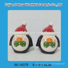 2016 lovely penguin designed ceramic S&P Shaker for Kitchen
