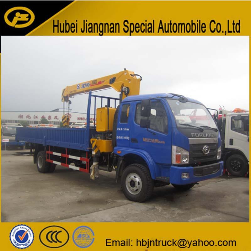 Cargo Truck With Crane