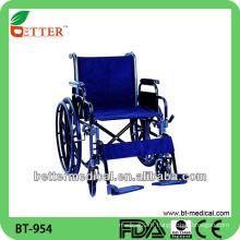 Chaise roulante en acier hospitalier