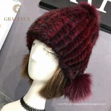 Mulheres de chapéu de lã vermelho de tecido comum para venda