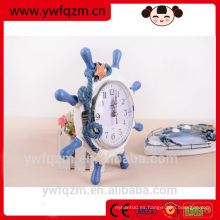 Reloj de madera del regalo del nuevo diseño, despertador de madera interesante, reloj de escritorio al por mayor de China