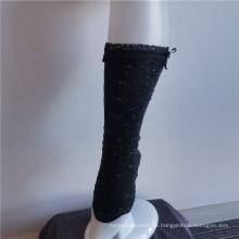 Elegante charmante schwarze Stretch-Stickspitzen-Crew-Socken