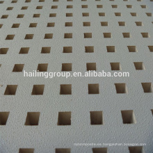 Pánel de yeso perforado blanco de alta calidad con precio de fábrica para la venta caliente