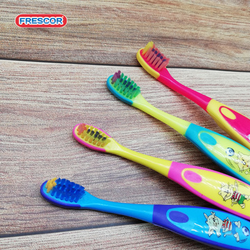 High Quality Personalized Popular And  Animal cat Toothbrush