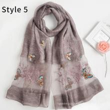 Mode soie acrylique mélange nouveau motif femmes foulard brodé foulard papillon hijab