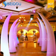 Vente en gros de colonne gonflable Arch Tube Cones Ivory Tusk Inflatable Pillars
