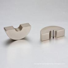Imán sinterizado del arco del neodimio para el motor