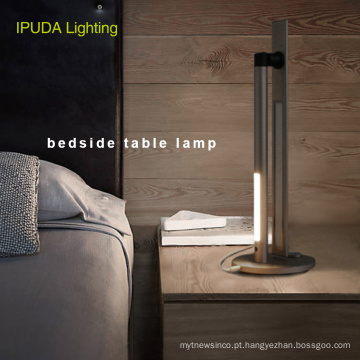O projeto da fábrica de China IPUDA que ilumina o candeeiro de mesa conduzido da cabeceira para a mesa home conduziu a lâmpada para a cabeceira