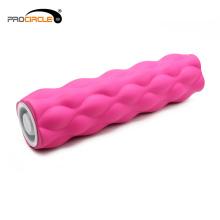 O músculo high-density do plutônio relaxa a ioga com a linha central do rolo da espuma do tampão