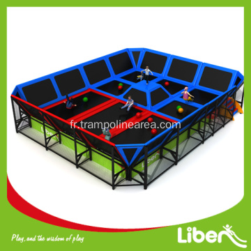 Trampoline d 39 occasion vendre for Trampoline interieur