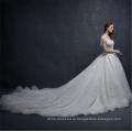 Китай сшитое с коротким рукавом атласная свадебное платье вышивки свадебное платье 2018 с длинным хвостом