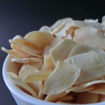 Grade A freeze dried garlic flakes