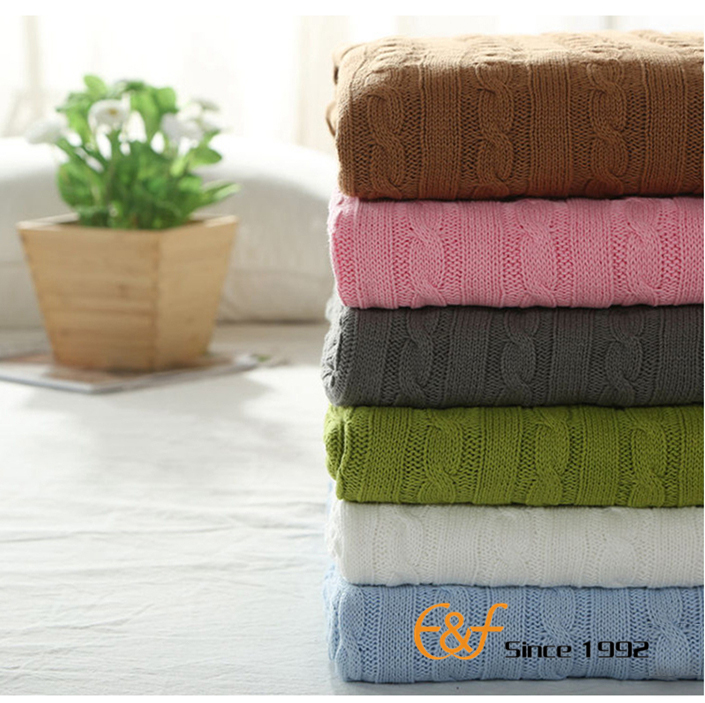 2017 best quality hot sales 100% cotton very warm cable knitted throw blanket