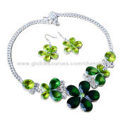 Stylish Flower Necklace and Earrings Set with Green Crystal Decoration, Various Colors are Available