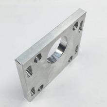 Usinagem de Furo Cruzado em Placa de Alumínio
