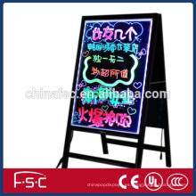 Comercio de acrílico de aseguramiento de la pantalla de información de tablero de escritura llevado